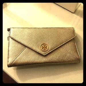 Mint condition Tory Burch wallet/wristlet clutch